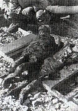 Ексхумирани лешеви двиjу дjевоjчица из масовне гробнице на острву Паг у Хрватскоj.