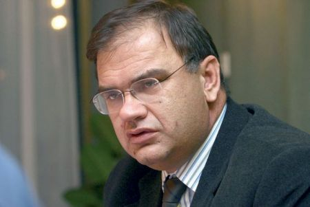 Младен Иванић