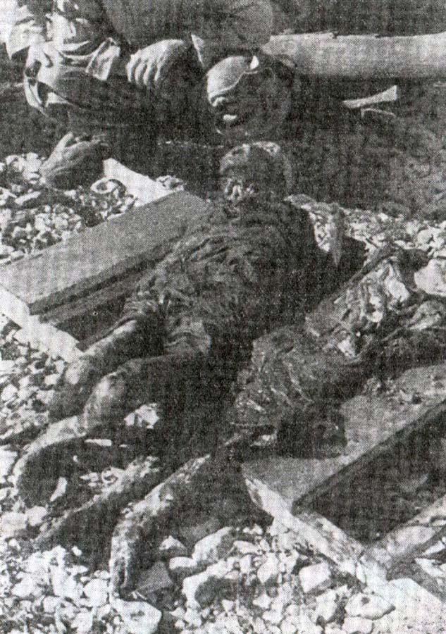 Остаци тиjела двиjе дjевоjчице. Италиjанска ексхумациjа, након затварања логора на Пагу.