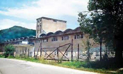 http://jadovno.com/tl_files/ug_jadovno/img/otadzbinski_rat/silos-ozloglaseni logor.jpg