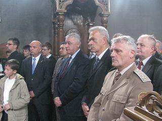 http://jadovno.com/tl_files/ug_jadovno/img/otadzbinski_rat_novo/2014/nevesinje_mitrovdan.jpg