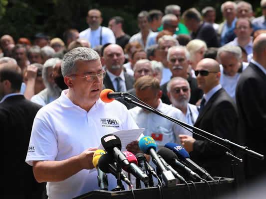 http://jadovno.com/tl_files/ug_jadovno/img/preporucujemo/2012/dusan-bastasic-obracanje.jpg