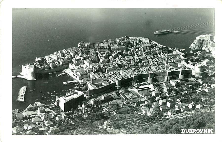 http://jadovno.com/tl_files/ug_jadovno/img/preporucujemo/2012/nedeljkovic-Dubrovnik-iz-aviona-1940.jpg