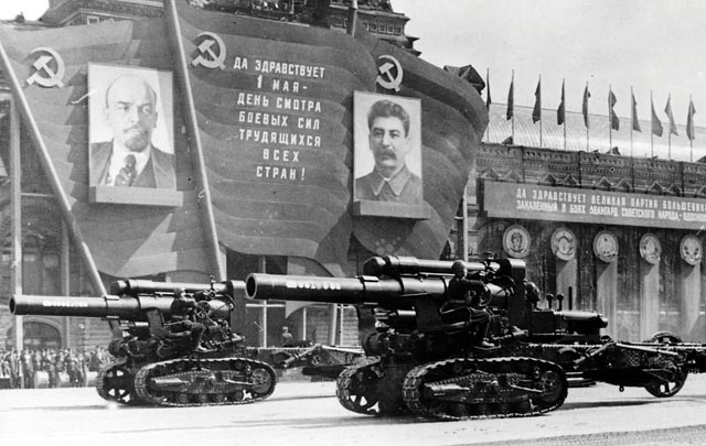 http://jadovno.com/tl_files/ug_jadovno/img/preporucujemo/2014/moskva-1947.jpg