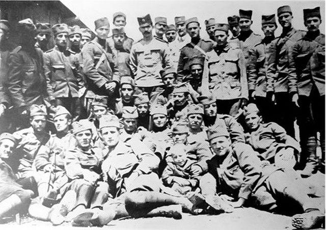 http://jadovno.com/tl_files/ug_jadovno/img/prvi_svjetski_rat/nemacki_decak_u_srpskoj_vojsci.jpg