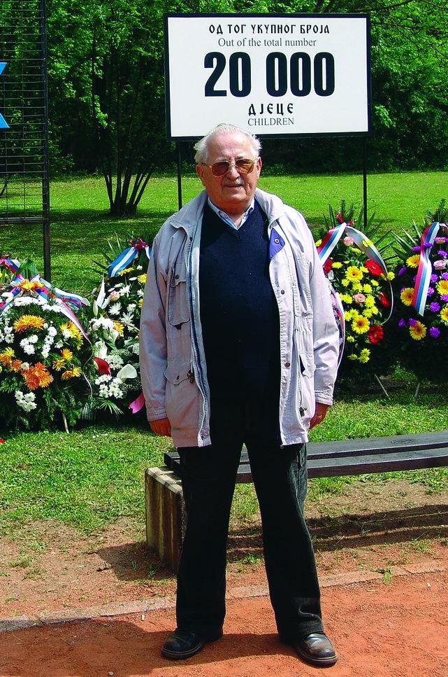 Autor na Spomen-području Gradina, 26. april 2009. godine
