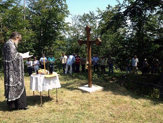 Огулин - парастос за Србе убијене и бачене у Клечку јаму, Фото: СРНА
