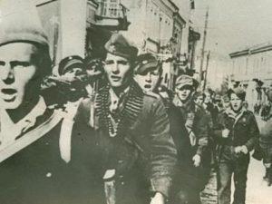 Партизани улазе у Загреб 1945.