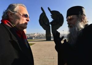 Ефраим Зуроф и епископ Јован Ћулибрк (Фото: Танјуг)