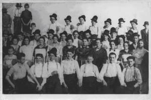 Слика 1. Мештани Општине Црквени Бок, на свечаности 1938. год. (Фото: Б. Турајлић)