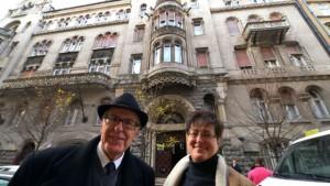 Војислав и Јованка Ластић испред задужбине Текелијанум / Фото: Дарко ДОЗЕТ