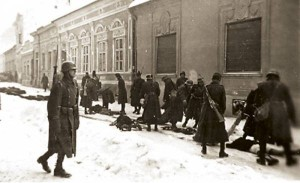 Немилосрдни мађарски фашисти: Хортијеве јединице убијају невино становништво