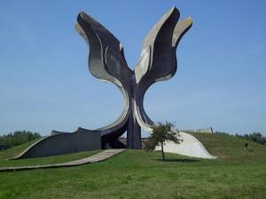 Централни споменик на спомен-подручју Јасеновац. Фото: Wikimedia Commons/Bern Bartsch.