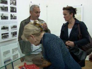 """Приједор: Отворена изложба """"Козара, споменик слободе"""" Фото: РТРС"""