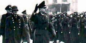 Павелић поздравља своју војску