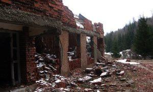 Ruševine karaule Košare nakon završetka rata