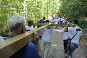 Јеврејској заједници Србије се увек брже и лакше излази у сусрет, док са потомцима српских жртава ни близу није тако