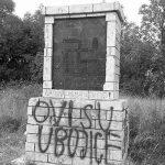 Spomenik palim dalmatinskim partizanima na cesti Knin-Gračac