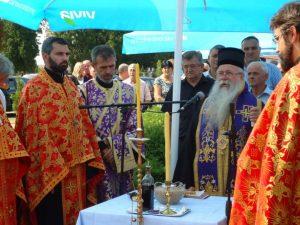Njegovo preosveštenstvo episkop zvorničko-tuzlanski Hrizostom služio je danas na bijeljinskom groblju Pučile parastos za 75 mještana Smoluće, Potpeći i Tinje koji su poginuli 1992. godine braneći svoja opkoljena sela, ali i za sve srpske borce koji su stradali u odbrambeno-oradžbinskom ratu