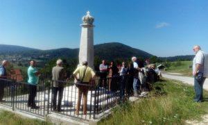 Споменик Краљу Петру I ослободиоцу у мјесту Сјеверско изнад Борика, недалеко Рогатице. Парастос служен 14. септембра 2016.