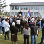 Народни посланик Златко Максимовић поручио је данас у Батковићу код Бијељине, гдје је служен парастос за 17 бораца који су дали животе за Републику Српску, да сјећања на жртве одбрамбено-отаџбинског рата не могу и не смију да изблиједе
