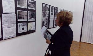 """Изложба """"Моје Јадовно"""" отворена је у Музеју Козаре у Приједору у сарадњи са Удружењем грађана """"Јадовно 1941"""" из Бањалуке"""