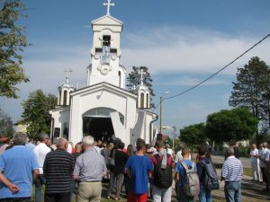 U spomen-kapeli u Bukviku kod Brčkog danas je služen parastos za pokoj duša 68 stanovnika bukvičkog kraja koje su na današnji dan prije 24 godine na kućnom pragu za manje od 24 časa mučki usmrtili pripadnici paravojnih hrvatsko-muslimanskih jedinica