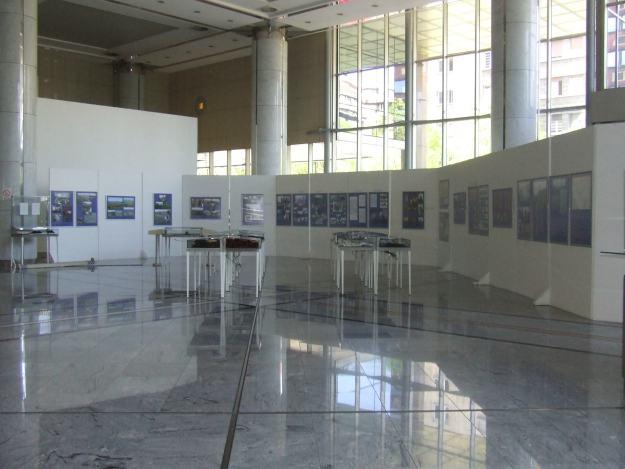 Са изложбе у Београду