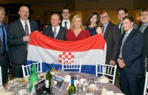 Hrvatska predsednica Kolinde Grabar Kitarović sa ustaškom zastavom