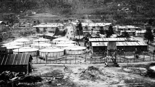 Логор у Беис фјорду се налазио пола наутичке миље јужно од Нарвика . 1942. године је логор био поприште Беис фјорд масакра, када је убијено 208 заробљеника. Фотографија: НАРВИК ЦЕНТАР