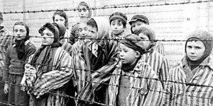 Djeca logoraši u Jasenovcu