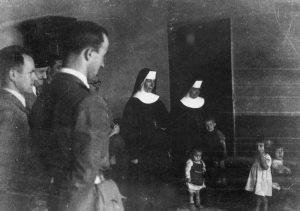 Дјеца у логору у Сиску