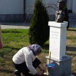 U porti Hrama Rođenja Presvete Bogorodice u Doboju danas su služeni liturgija i parastos za najmlađeg borca Vojske Republike Srpske /VRS/ Spomenka Gostića, koji je poginuo na današnji dan prije 24 godine.