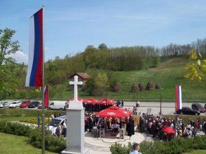 Обиљежавање страдања 37 Срба у мјесту Чардак код Дервенте Фото: СРНА