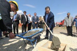 Камен темељац у име Владе положио је Ивица Дачић