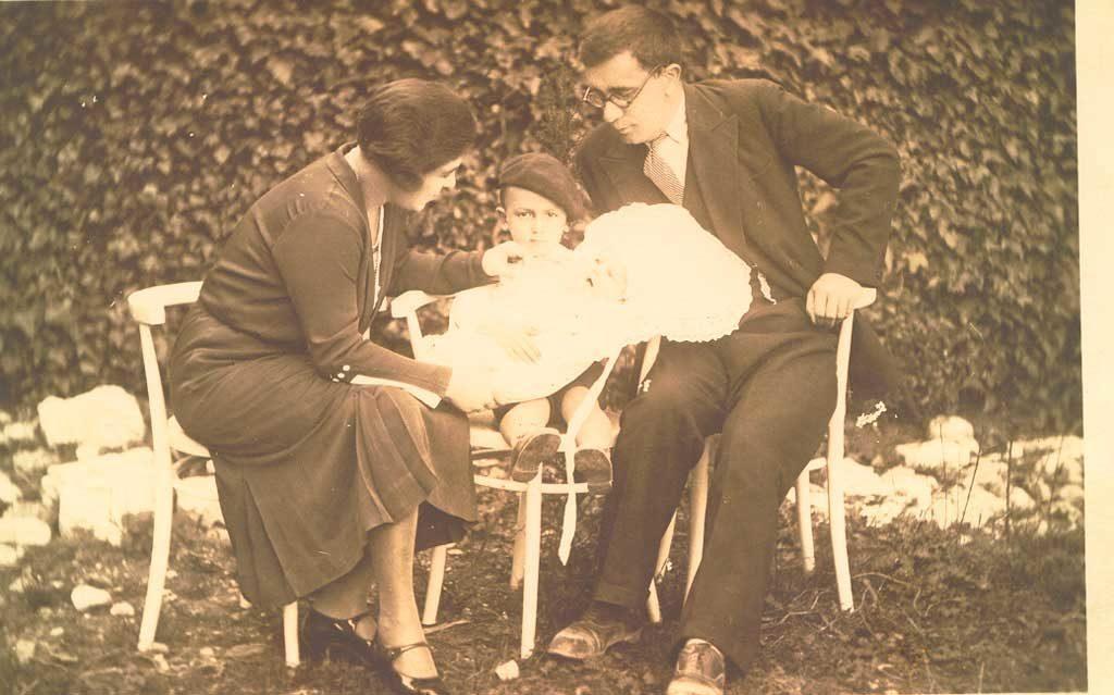 Љубица и Петар Рундо са Ристом и Јованом