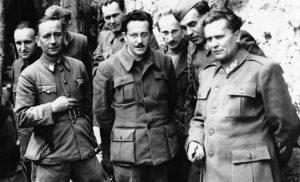 Тито и чланови Врховног штаба у Дрвару