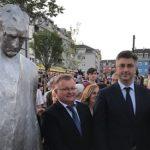 Пленковић открио споменик првом хрватском председнику у Запрешићу