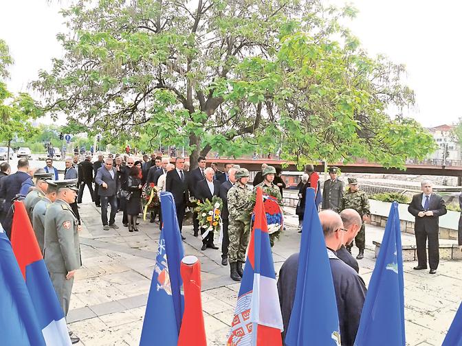 У бомбардовању 1999. погинуло 56 Нишлија (Фото Т. Тодоровић)