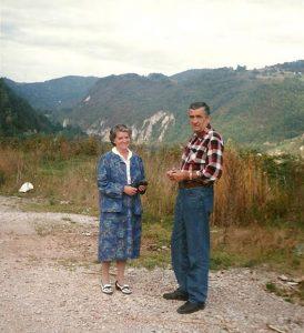 Драгоцена су сазнања Јени Лигтемберг о догађајима на Маркалама, у Сребреници и Српској Крајини, заснована на до сада непознатим изворима, поверљивим изјавама међународних представника са којима је разговарала током боравка у Босни.