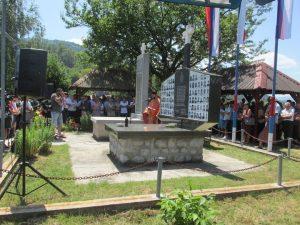 У Залазју код Сребренице данас је служен парастос код спомен-костурнице страдалима у два посљедња рата, прислужене свијеће за покој душа 69 погинулих на данашњи дан 1992. године и положено цвијеће на спомен-обиљежје поводом обиљежавања 25 година oд трагичног Петровдана и великог српског страдања у сребреничкој општини.