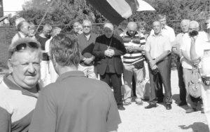 Рeдaри из рeдoвa aнтифaшистa сприjeчили су дoлaзaк прoвoкaтoрa нa чeлу с бискупoм Mилe Бoгoвићeм