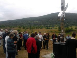 Spomen-krst u Janjilama kod Bosanskog Petrovca Foto: SRNA