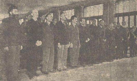 Čitanje presude Dragoljubu-Draži Mihailoviću i saoptuženima u Beogradu, 15. jula 1946: s leve strane prvi D. Mihailović, Stevan Moljević, Đuro Vilović