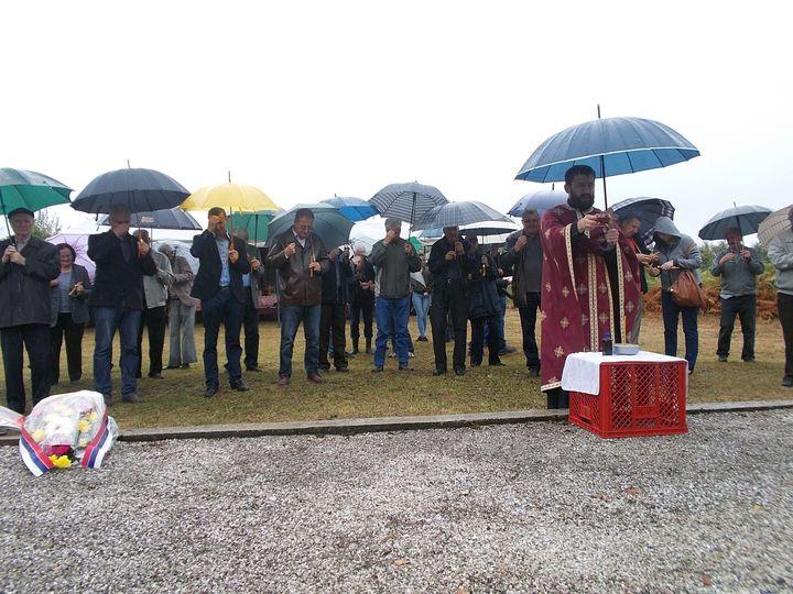 На Рашће брду код Котор Вароша данас је обиљежена 75 година од страдања 20 бораца Народно-ослободилачког рата и цивила, које су убиле усташе 1942. године.