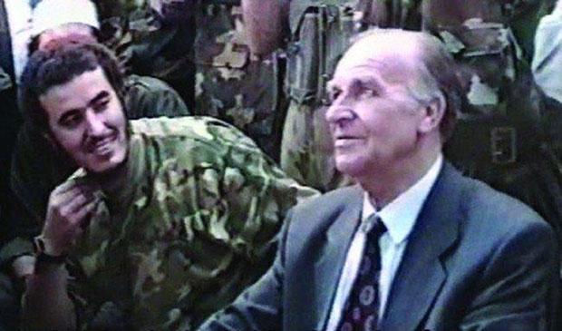 Алија Изетбеговић са вођом муџахедина Абуом Малим
