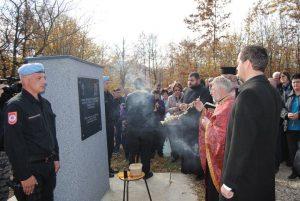 Парастосом, полагањем вијенаца и паљењем свијећа на Глођанском брду код Зворника данас је обиљежено 25 године од страдања 126 бораца Војске Републике Српске, које су 6. новембра 1992. године убили припадници такозване Армије БиХ.