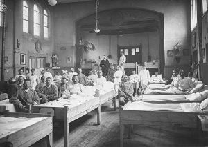 Фебруар 1919: помоћна болница за српске војнике у Ротердаму (Фото Х. А. ван Оудгарден)