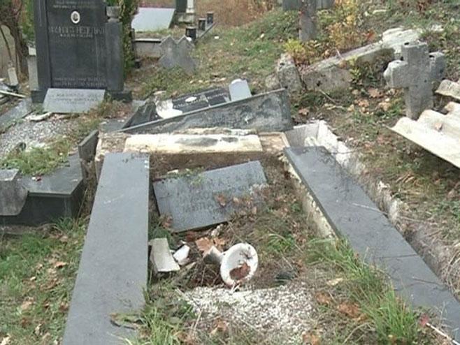 Порушени споменици Фото: РТРС