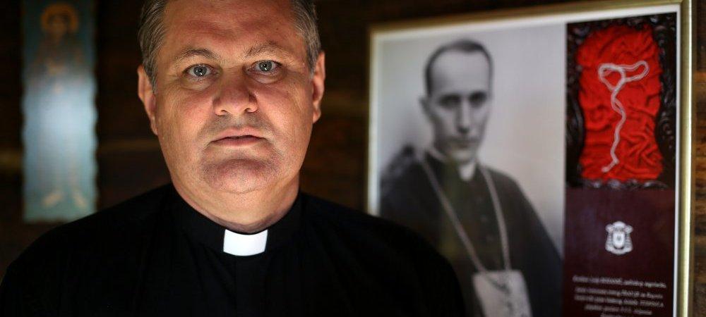 Бискуп Владо Кошић